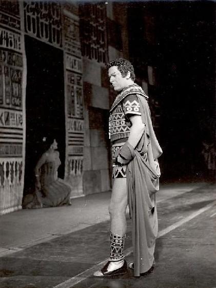 Giuseppe di Stefano în Aida