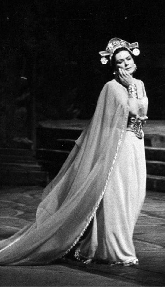 Zeani în rolul titular din Alzira de Verdi, la Teatro dell'Opera di Roma, 1967