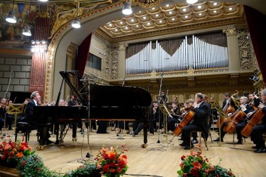 Rudolf Buchbinder și Orchestra Filarmonicii George Enescu la Ateneu (c) Agerpres