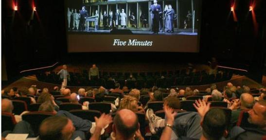 Opera într-un cinema de lângă tine: sunt oare astăzi mai mulți spectaori de operă decât oricând înainte?
