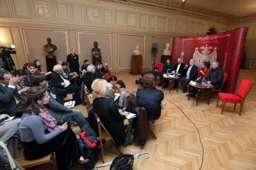 Conferinta de presă