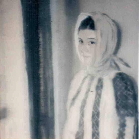 Loulou Picasso: Ie românească - ulei pe pânză. Modelul este Alina Botez