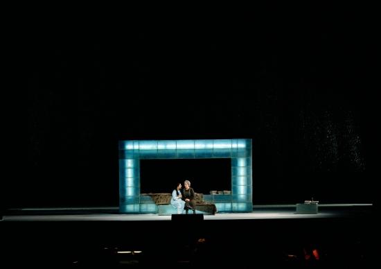 Evgheni Oeghin @ Wiener Staatsoper, regia Falk Richter (imagine din stagiunea 2010-2011)
