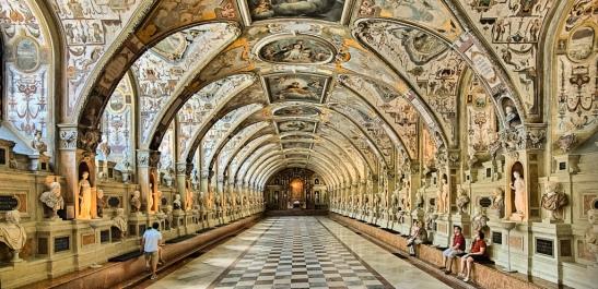 Sala Antiquarium din palatul Residenz, München