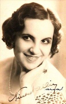 Ninon Valin (cca 1934)