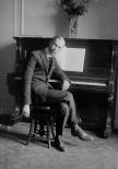 Serghei Prokofiev (cca 1927)