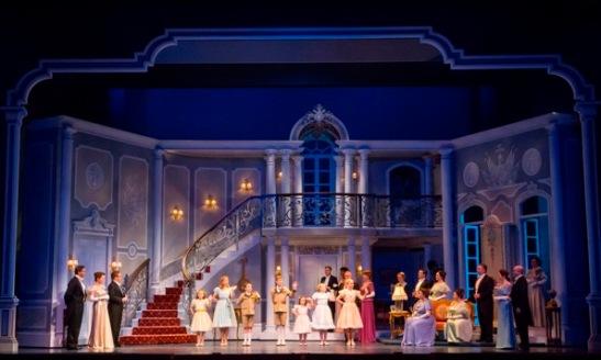La Chicago, opera cea mai reprezentată de la începutul acestui secol este… o comedie muzicală, The Sound of Music.