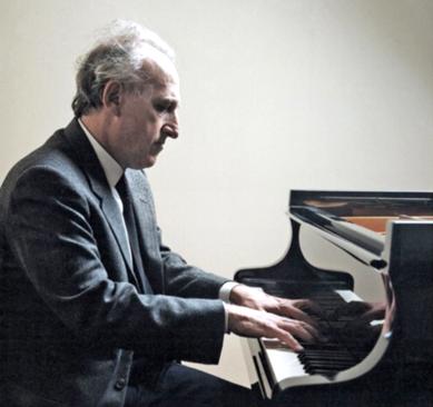 Solist instrumentist În concert: 10.000 de euro în orchestrele regionale. Până la 50.000 de euro în recital (aici, Maurizio Pollini)