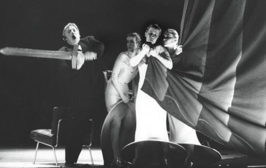 Oare merita huiduielile? Götterdämmerung de Ruth Berghaus, la Frankfurt, 1987, cu William Cochrane în rolul lui Siegfried