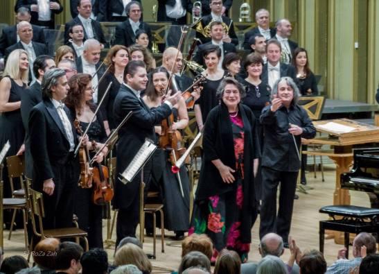 Elisabeth Leonskaja încadrată de Cătălin Desagă și Horia Andreescu (foto: Romeo Zaharia)