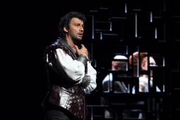 62414-2796ashm-1368-jonas-kaufmann-as-otello--marco-vratogna-as-iago--maria-agresta-as-desdemona--c--roh--photo-by-catherine-ashmore-resized