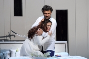 62420-2796ashm-2442-b-maria-agresta-as-desdemona--jonas-kaufmann-as-otello--c--roh--photo-by-catherine-ashmore-resized