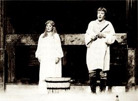 Joan Rodgers (Pamina) şi Erland Hagegård (Tamino)