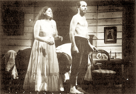 Nancy Henninger (Katerina) și Jacque Trussel (Serghei) în Lady Macbeth din districtul Mtensk la Spoleto USA Festival