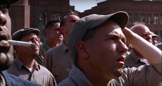 Figura 1: O scenă din filmul din 1994 al lui Frank Darabont, The Shawshank Redemption (Închisoarea îngerilor). Deţinuţii dintr-o brutală închisoare americană ascultă amuţiţi când unul dintre ei preia controlul sistemului de sonorizarea şi difuzează Sull'aria, duetul celor două soprane din actul 3 al operei lui Mozart, Le nozze di Figaro.